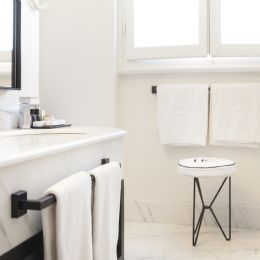 Bathroom with Carrara marble